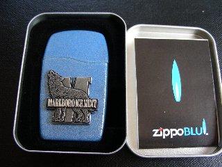 青い炎のZIPPOはボディも青