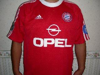 FC BAYYERN MUNCHENのシャツを着てみました