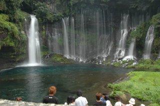 白糸の滝(シャッター優先オート 1/2.5S)